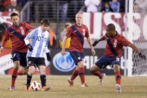 Messi controlling the ball versus USMNT