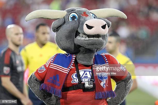 FC Dallas mascot Tex Hooper